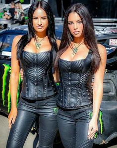 Monster Energy Girls, Pit Girls, Promo Girls, Umbrella Girl, Leder Outfits, Girl Smoking, Latex, Sexy Outfits, Gorgeous Women