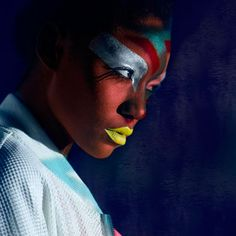 Fashionising:    Bright lights and graphic storytelling  http://www.fashion.net/today/