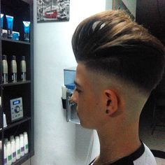 Haircut by dario_thebarber http://ift.tt/1I2dl3U #menshair #menshairstyles #menshaircuts #hairstylesformen #coolhaircuts #coolhairstyles #haircuts #hairstyles #barbers