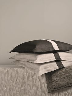 White and anthracite pillows with stand-up hem. Stand Up, Branding Design, Pillows, Abstract, Artwork, Summary, Get Back Up, Work Of Art, Auguste Rodin Artwork