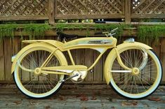 Vintage Stuff and Antique Designs Old Bicycle, Old Bikes, Antique Bicycles, Bike Poster, Bike Wear, Cargo Bike, Cool Bicycles, Bicycle Design, Super Bikes