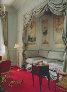 At Waddesdon Manor, London Interior Designer David Mlinaric used a Louis XVI engraving as inspiration for the silk taffeta draperies.