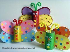 Nous te proposons avec des rouleaux de carton que tu peux récupérer pour faire de jolis papillons colorés. il te faut: -des rouleaux en carton(de type toileette ou essuie tout) -du carton de différentes ...