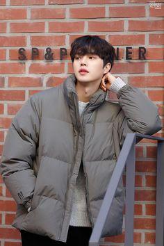 kpop wallpaper iphone New ideas for aesthetic wallpaper iphone kpop Song Kang Ho, Sung Kang, Korean Celebrities, Beautiful Celebrities, Asian Actors, Korean Actors, Love 020, Kdrama Actors, Big Bang Top
