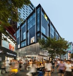 Image 9 of 56 from gallery of M Plaza / Manifesto Architecture. Photograph by Kyungsub Shin Retail Architecture, Commercial Architecture, Commercial Interior Design, Modern Architecture, Mall Design, Retail Design, Shopping Street, Shopping Mall, Mall Facade