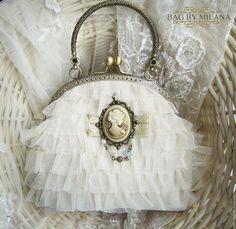Купить Камея - белый, сумочка для невесты, сумочка для девочки, сумочка вечерняя, сумочка с рюшами