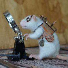 My new mouse is ready! Новый стимпанк мышь) #steampunk #mouse #felting #artdoll #ooak #fenekdolls #etsyfinds #etsy #collectiontoys #мышь #стимпанк #валяние #игрушка