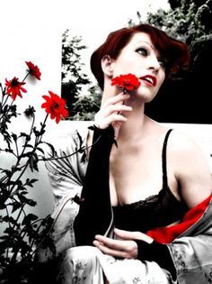 Amanda Palmer - the Art of Asking// I've always respected her as an artist... This video makes me just fall in love with her. Damnit she's amazing. ~:~