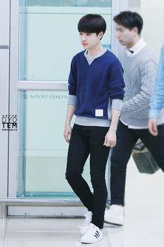 D.O - 141006 Gimpo Airport, arrival from TokyoCredit: 됴템. (김포공항 입국)