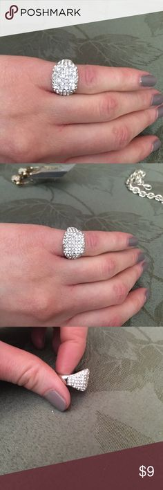 💍Cubic Zirconium Pinkie Ring💍 Purchased from Nordstrom Cubic Zirconium Pinkie Ring. Unsure of the size I'm a 6-7 in a normal Ring. One or two crystals are missing but otherwise in good condition. Nordstrom Jewelry Rings