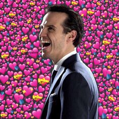 Heart Meme, Andrew Scott, Cute Memes, Moriarty, Wholesome Memes, Johnlock, Baker Street, Sherlock Bbc, Love Pictures