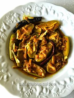 Sikandalous Cuisine: Narkol potol/ Parwal with coconut
