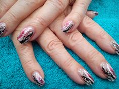 feather and black design very popular in salon.