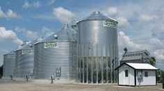 Hopper Bins | Medium Duty    Sukup Medium-Duty Hoppers are the economical choice for smaller operations.  ■ 12' diameter, 3-5 rings, 60 degree hopper  ■ 15' – 21' Diameter, 3-6 rings, 45 degree hopper  ■ Ideal for use as a wet holding tank to feed your Sukup grain dryer  ■ May be used to store cool dry grain for an extended period of time.