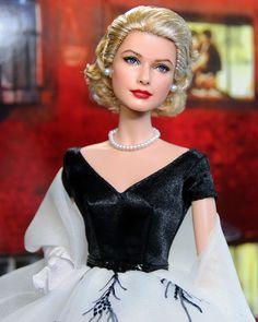 Grace Kelly rear window Barbie Doll    Artist: Noel Cruz