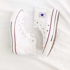 White Hightop Converse Been worn one time, still in great condition! They are size 5 but fit a size 7 or Converse Shoes Sneakers White High Top Converse, White High Tops, Converse All Star, High Top Sneakers, White Converse Shoes, Shoes Sneakers, Converse High Tops How To Wear, Cute Converse, Converse Logo