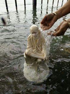 om sai namo namaha sri sai namo namaha jai jai sai namo namaha sadhguru sai namo namaha akhilanda koti brahmanda nayaka rajadhi raja yogi raja para brahma sri satchitananda samartha sathguru sri sainadh maharaj ki jai om sairam