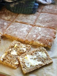 Easy like Sunday morning: helppo ja nopea ruisleipä Baking Recipes, Snack Recipes, Dessert Recipes, Desserts, I Love Food, Good Food, Yummy Food, Coffee Bread, Savory Pastry