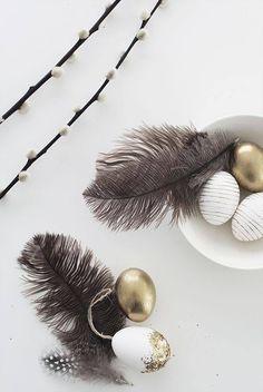 my scandinavian home: My big Easter DIY egg edit Hoppy Easter, Easter Bunny, Easter Eggs, Easter Table Decorations, Easter Decor, Easter Egg Designs, Diy Ostern, Easter Printables, Easter Party