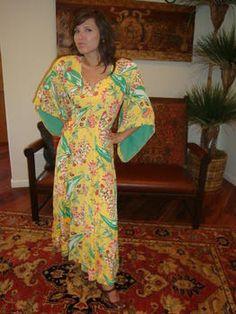Linn's Sportswear, Honolulu, T.H. - 40s Vintage Hawaiian Rayon Dress
