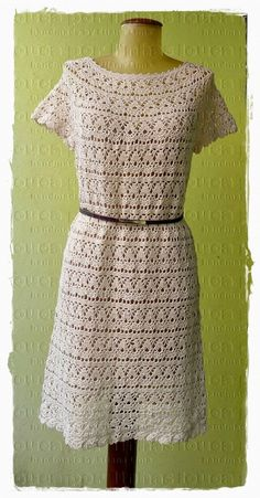 louca por linhas - crochet e patchwork: Vestido Lily Crochet Summer Dresses, Black Crochet Dress, Crochet Cardigan, Knit Dress, Crochet Top, Lace Midi Dress, Dress Skirt, Diy Crafts Dress, Crochet Magazine