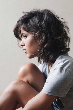 6.Short Hairstyle for Curly Hair