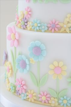 Close up of flower detail on my daughter's 7th birthday cake.