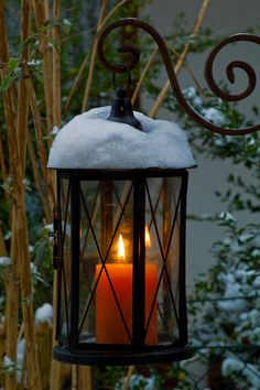 Lanterns and false candles - Home Page Lantern Lamp, Candle Lanterns, Candles, Winter Magic, Street Lamp, Cozy Christmas, Christmas Lanterns, Jolie Photo, Winter Scenes