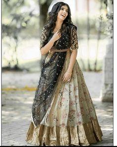 Party Wear Indian Dresses, Designer Party Wear Dresses, Indian Gowns Dresses, Indian Bridal Outfits, Indian Fashion Dresses, Dress Indian Style, Indian Designer Outfits, Lehenga Designs Simple, Wedding Lehenga Designs
