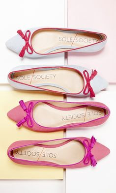 Luxurious nubuck ballet flats with pointy toes, contrast piping and charming tassel bow