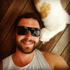 cuteboyswithcats: chillin' with the neighbour's... | Boys With Beards With Cats