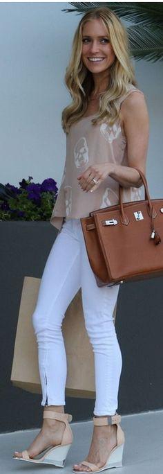 Kristin Cavallari: Purse – Hermes  Jeans – Rag & Bone  Shoes – Chinese Laundry  Shirt – E.VIL