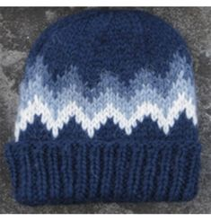 Warm Knit Hat Blue. Pattern White/Blues