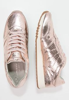 Diese Sneaker sind Trend pur. Tamaris Sneaker low - copper für 29,95 € (29.12.16) versandkostenfrei bei Zalando bestellen.