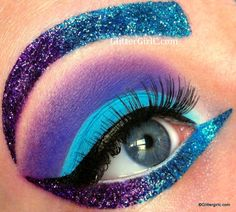 Katy Perry makeup glitter claw