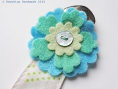 Baby pacifier clip, green and light blue, polka dots cotton, wool felt flower, wool felt snowflake, baby shower gift idea, 1st birthday - by RobyGiup