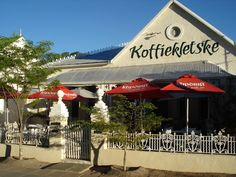 Koffiekletske - Beaufort West km from Cape Town) - Karoo - Western Cape - South Africa The Beautiful Country, Beautiful Sunset, Beautiful Places, Beaufort West, I Am An African, South Afrika, Things To Do, How To Memorize Things, How To Speak French