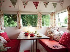 Another camper interior...this time a bit shabby chic and cute :)