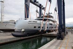 истории Истории : Роскошная яхта с дизайном от Porsche (10 фото)