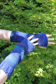 Beautiful chunky hand knit ombre arm warmers. Fingerless Gloves, Arm Warmers, Hand Knitting, Knit Crochet, Beautiful, Fingerless Mitts, Hand Weaving, Cuffs, Fingerless Mittens