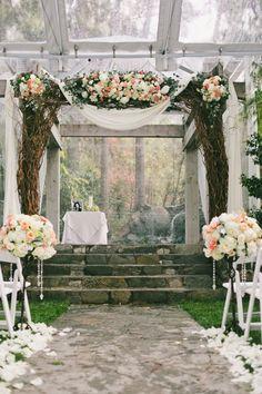 wedding ceremony idea; photo: onelove photography