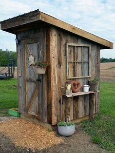 32 Awesome Backyard Shed Landscaping Ideas - Wood Sheds Come In A Variety Materials. Picking Your Shed Type And Size Varies Depending On What Your Own Home Features. Your Back Yard Is A Living Te. Shed Landscaping, Farmhouse Landscaping, Backyard Sheds, Outdoor Sheds, Barn Plans, Shed Plans, Garage Plans, Chicken Hut, Chicken Houses