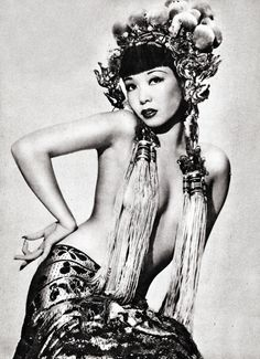 Burlesque legend, Jadin Wong, had a long career breaking stereotypes as a bawdy beauty. Learn about her career burlesque dancing and much more. Pin Up Vintage, Vintage Beauty, Vintage Photos, Ziegfeld Girls, Vintage Burlesque, Geisha, Portraits, Shows, Silhouette