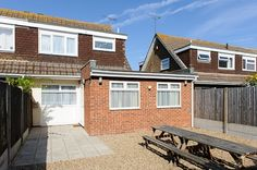 6 beds, 2 double, 4 single, self catering in Broadstairs Beeches 1 in Broadstairs