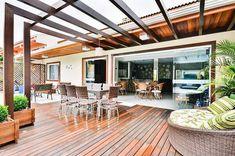 edicula grande area de lazer bender arquitetura 82918 Diy Outdoor Fireplace, My House Plans, Barbacoa, Beach House, Pergola, Sweet Home, Lounge, Outdoor Structures, Patio