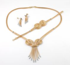 özel tasarım altın takı setleri - Google'da Ara Jewelry Knots, Diy Jewelry, Jewelry Design, Jewelry Making, Viking Knit Jewelry, Passementerie, Schmuck Design, Handmade Silver, Pendant