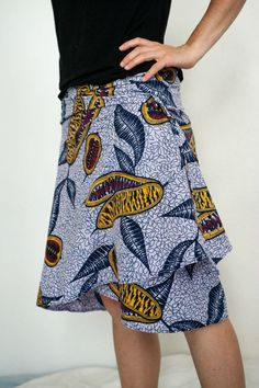 jupe portefeuille cacao-5 Plus African Print Fashion, Ethnic Fashion, Womens Fashion, Design Your Own Clothes, Diy Shorts, Ethnic Chic, Couture Sewing, Couture Tops, African Design
