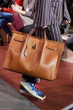 Lanvin Fall 2020 Menswear Fashion Show Fashion Week, Fashion Bags, Fashion Show, Mens Fashion, Fall Fashion, Lanvin, Vogue, My Style Bags, Mens Gadgets