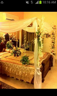 15 Beautiful Bridal Room Decoration For Your Wedding Ideas – moetoe Bridal Room Decor, Wedding Night Room Decorations, Romantic Room Decoration, Flower Decorations, Bedroom Night, Room Decor Bedroom, Bedroom Ideas, Bed Room, Bedroom Bed