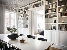 Trendy Home Library Scandinavian Shelves 38 Ideas Scandinavian Home, Home Interior, Interior Design, Design Design, Ikea Billy Bookcase Hack, Billy Bookcases, Ikea Billy Hack, Home And Living, Home Decor